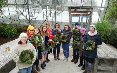 How to make a natural wreath