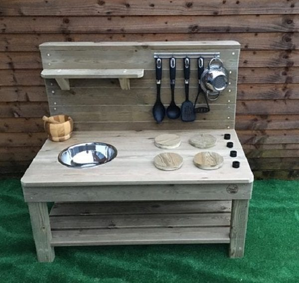 mud kitchen WEB 1