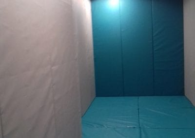 Full height wall pads